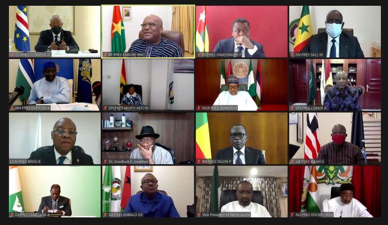 Mali's coup leaders meet mediators seeking return to civilian rule