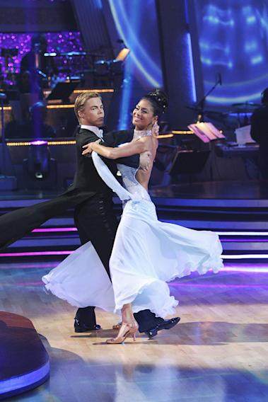 Derek Hough and Nicole Scherzinger perform a dance on the 10th season of Dancing with the Stars.