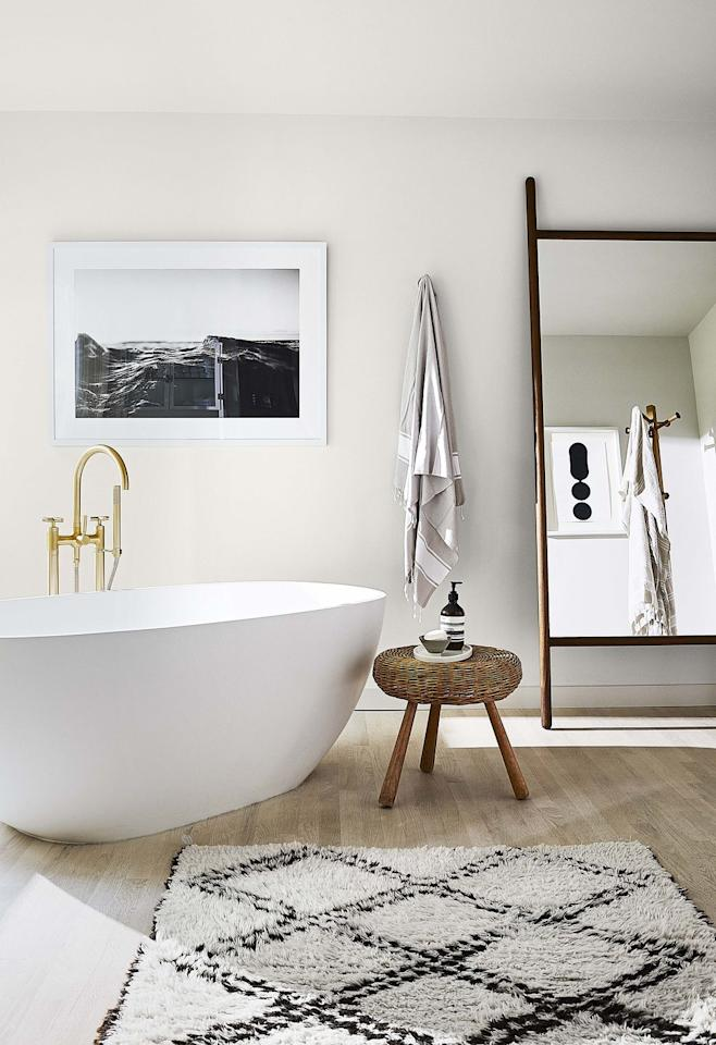 "<p>Analisse Taft-Gersten calls her morning bath at her <a href=""https://www.housebeautiful.com/design-inspiration/house-tours/a31157783/annalise-taft-gersten-connecticut-home/"" target=""_blank"">Connecticut weekend home</a> the best part of her day—and it's easy to see why. The serene space was inspired by spas at her favorite hotels. </p>"