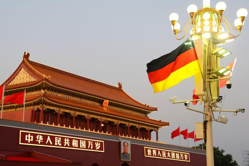 Germany calls in Chinese ambassador over Hong Kong law - Sueddeutsche Zeitung