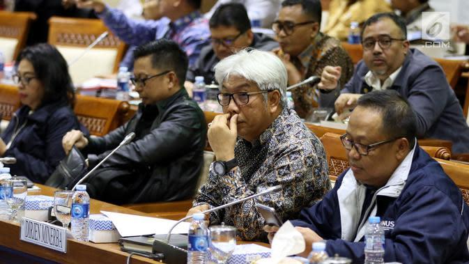 Dirjen Minerba Kementerian ESDM Bambang Gatot Ariyono saat mengikuti rapat dengar pendapat dengan Panja Limbah dan Lingkungan Komisi VII di Nusantara I, Kompleks Parlemen MPR/DPR-DPD, Jakarta, Rabu (6/3). (Liputan6.com/Johan Tallo)