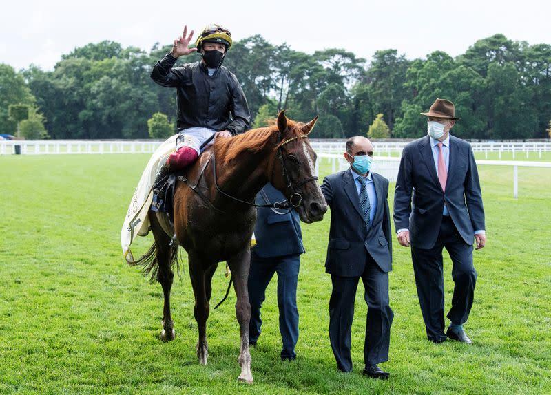 Horse racing: Stradivarius takes third successive Ascot Gold Cup