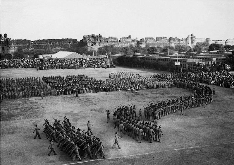 India's First Republic Day Parade, 1950, by Homai Vyarawalla. Photo: HV Archive/ The Alkazi Collection of Photography