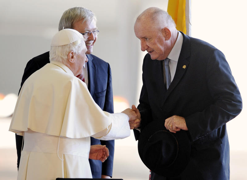 Mr Fischer is introduced to Pope Benedict XVI in 2008. Source: AAP