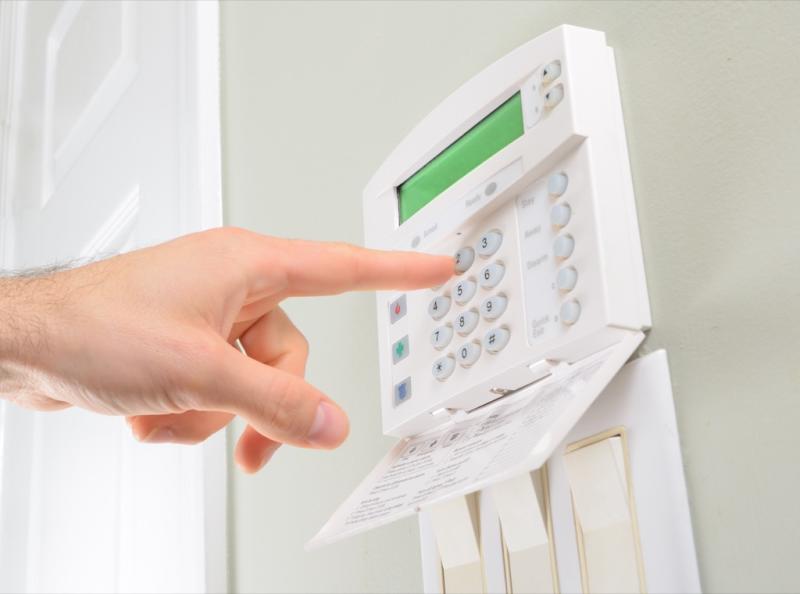 security system panel things burglars know