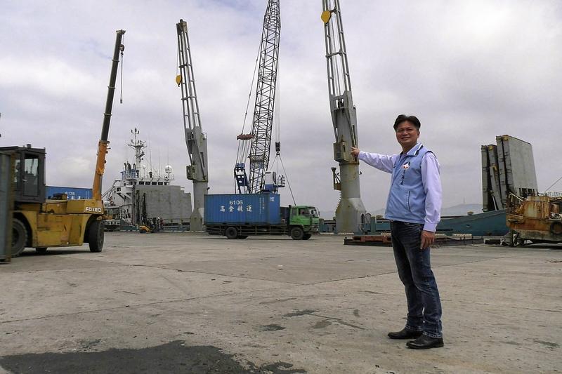 ▲港務處將騰出1號船席與倉庫,做為海運快遞專區使用。(圖/蔡若喬攝, 2020.05.02)