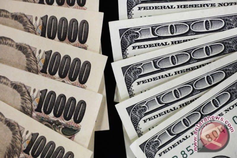 Dolar di kisaran paruh atas 108 yen pada awal perdagangan di Tokyo