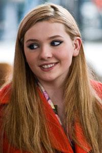 12/09/2011 – Abigail Breslin's First On-Screen Kiss