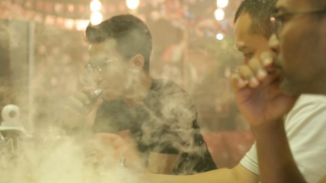 Sebagian besar pengguna rokok elektrik mengatakan menggunakan rokok yang satu ini sebagai cara berhenti merokok. (Foto: Awan Harinto)