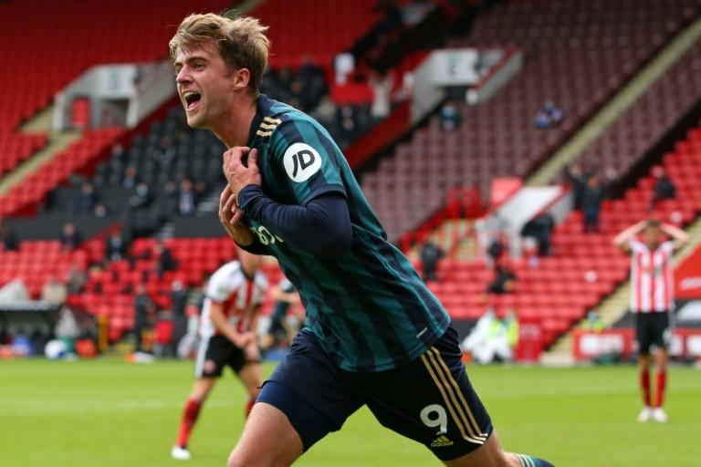 Bamford strikes late as Leeds blunt Blades