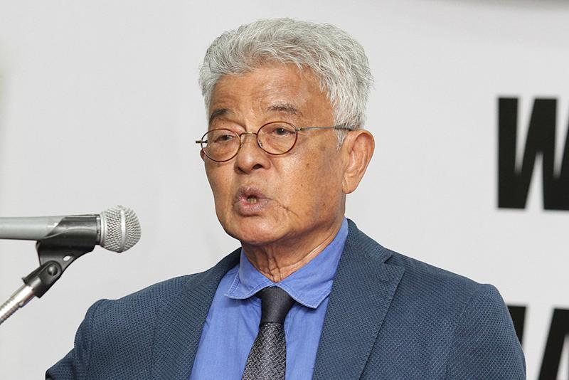 Suhakam chairman Tan Sri Razali Ismail speaking in Kuala Lumpur July 2, 2018. — Picture by Miera Zulyana