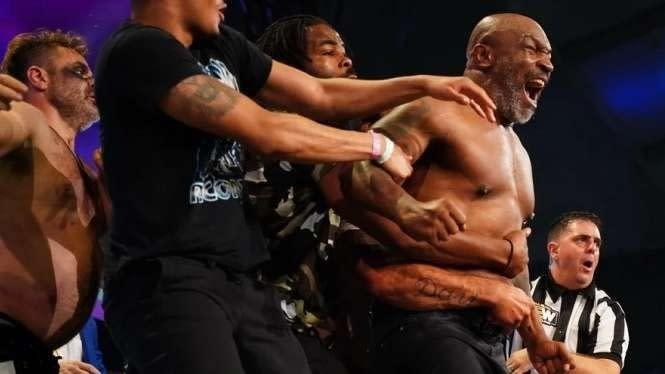 Mike Tyson: Ketimbang Saling Bully, Mending Kelahi