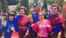 台南「泰佛寺」潑水節 改辦遊行、園遊會