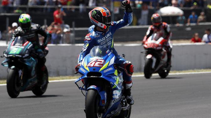 Pembalap Suzuki, Alex Rins finis di posisi kedua pada MotoGP Jerez. (AP Photo/Miguel Morenatti)