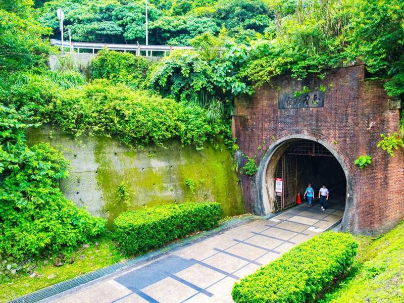 舊草嶺自行車隧道