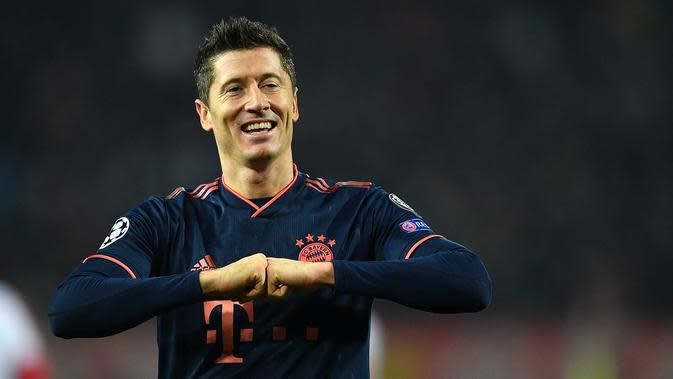 8. Robert Lewandowski - Bayern Munich : 44 Voting. (Andrej Isakovic)