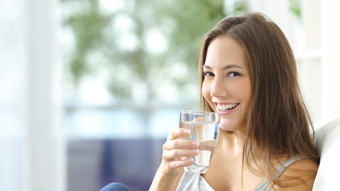 ilustrasi air minum/shutterstock