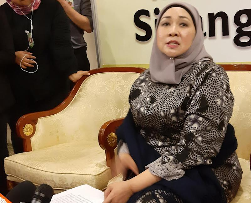 Datuk Sharifah Hasidah Sayeed Aman Ghazali said there is nothing to be happy about with the offer mentioned by Prime Minister Tun Dr Mahathir Mohamad that the federal government intended to sell stakes in Petronas to Sarawak and Sabah. — Picture by Sulok Tawie