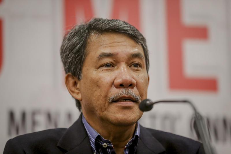 Datuk Seri Mohamad Hasan said sarcastically that Umno may as well dissolve its chapters and divisions in Kelantan, Terengganu and Kedah if PAS wishes to exclusively hold to those three states rather than negotiating with its allies. — Picture by Firdaus Latif