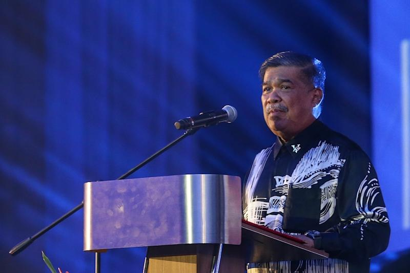 Defence Minister Mohamad Sabu delivers his opening speech during the Warriors' Fund charity dinner at Wisma Perwira Angkatan Tentera Malaysia in Kuala Lumpur October 21, 2019. — Picture by Ahmad Zamzahuri