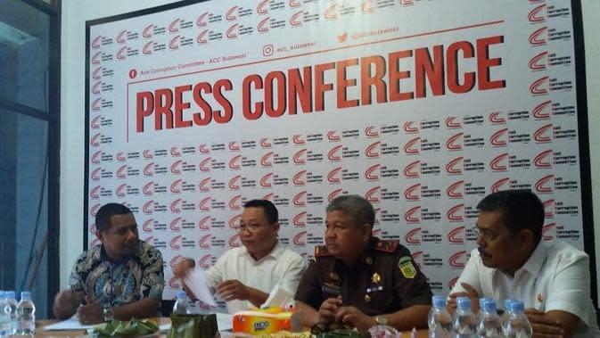 Aktifis mendesak agar KPK menyupervisi kasus korupsi pembebasan lahan underpass Bandara (Liputan6.com/ Eka Hakim)