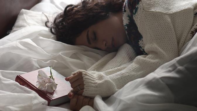 Kualitas tidur bisa dipengaruhi oleh makanan yang dikonsumsi seharian. (Foto: unsplash.com)