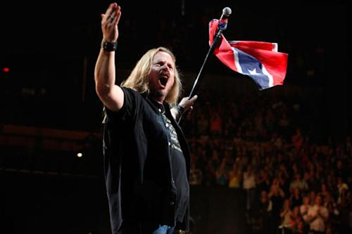 Lynyrd Skynyrd Backtracks On Comments, Proudly Lets Confederate Flag Fly