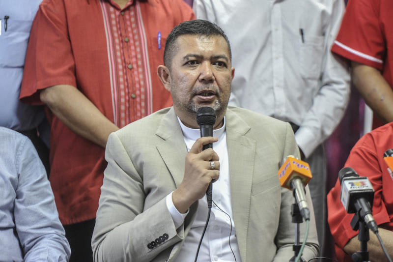 Datuk Marzuki Yahya says PKR defectors including Datuk Seri Mohamed Azmin Ali have yet to submit their membership forms. — Picture by Shafwan Zaidon