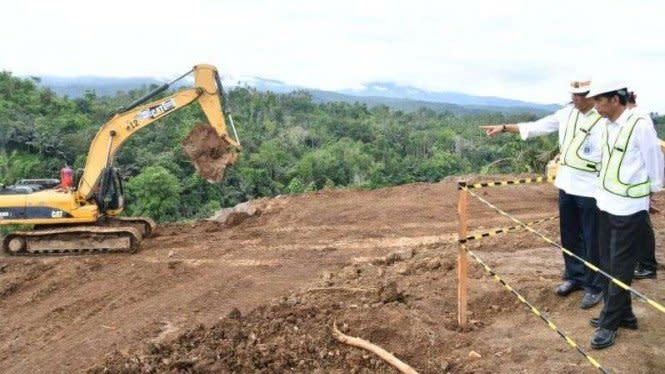 Presiden Jokowi Resmikan Jalan Tol Pertama di Sulawesi Utara