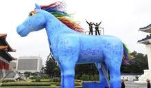造10公尺藍色「雨馬」 紙風車打磨高品質客語親子劇