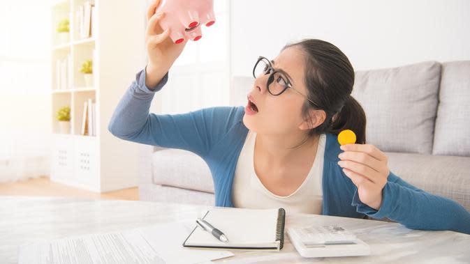 Mengatur keuangan untuk libur akhir tahun./Copyright shutterstock.com