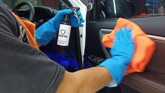 Salon Mobil ini Tawarkan Penyemprotan Disinfektan Gratis