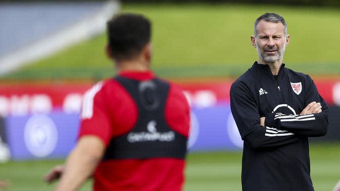 5. Ryan Giggs - Pelatih Timnas Wales (AFP/Geof Caddick)