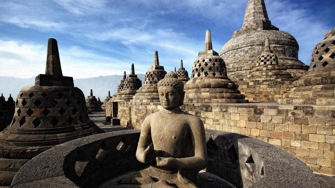 Pengelola Candi Borobudur, Prambanan, dan Ratu Boko menyiapkan protokol kesehatan yang ketat bagi wisatawan yang berkunjung pada masa uji coba pembukaan wisata candi tersebut mulai Rabu, 1 Juli 2020. (Liputan6.com/ Kemenparekraf)