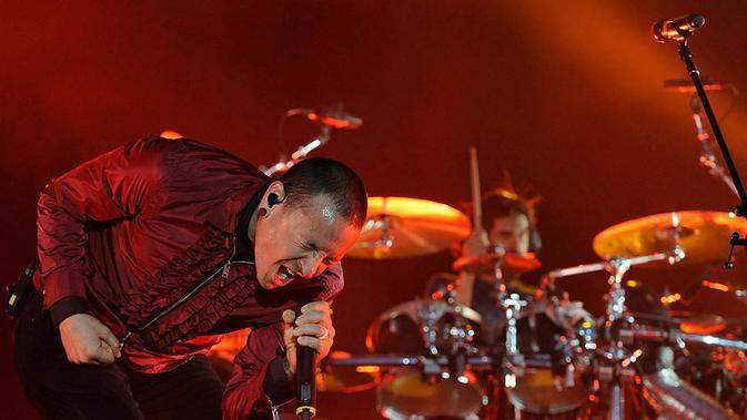 Chester Bennington, vokalis Linkin Park. (eonline.com)