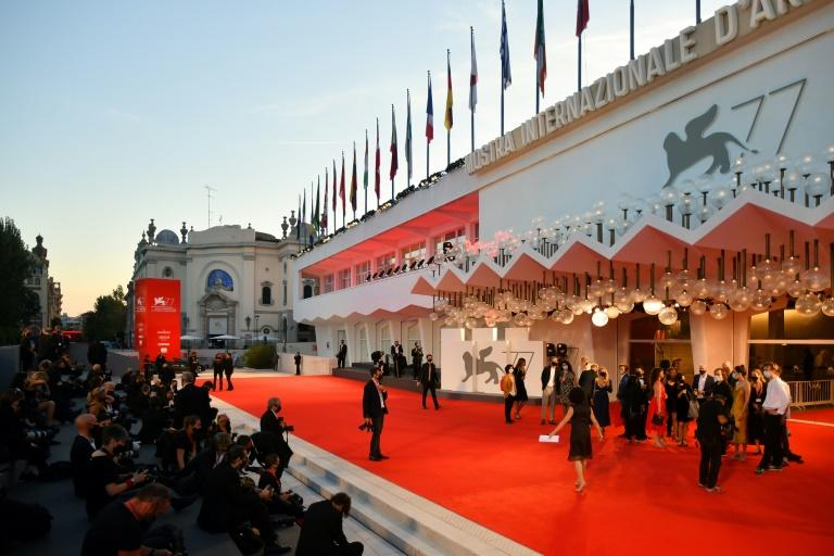 No flops, but little sizzle on Venice film festival red carpet