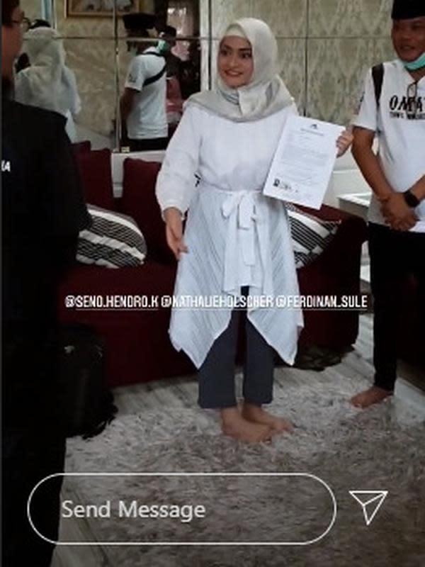 Momen Natalie Holscher Memeluk Islam (Sumber: