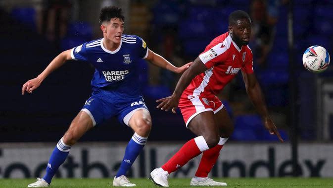 Bek Timnas Indonesia U-19, Elkan Baggott, bermain sebagai starter dan berhasil membantu Ipswich Town meraih kemenangan 2-0 atas Gillingham di EFL Trophy 2020-2021. (dok. Ipswich Town)