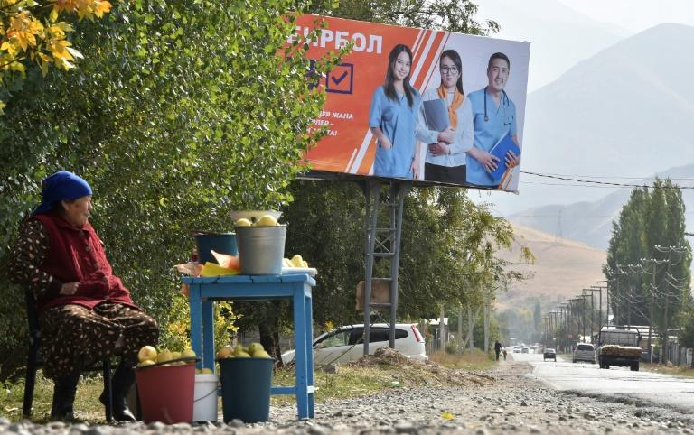Kyrgyzstan set for election as vote-buying fears rise