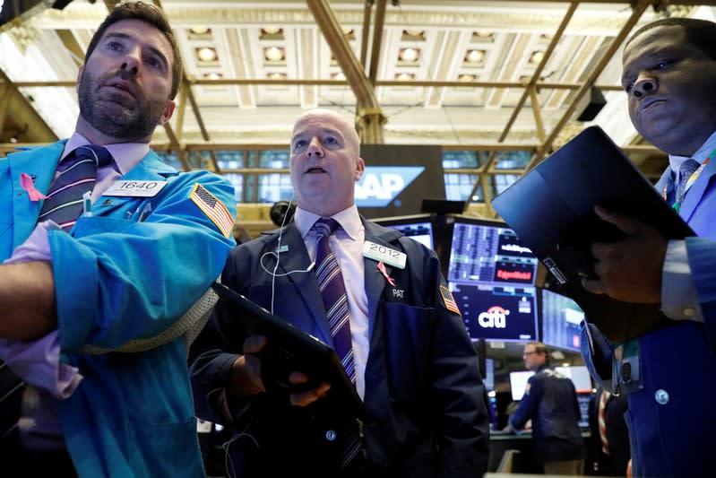 Dollar, global shares gain on Xi, Trump remarks