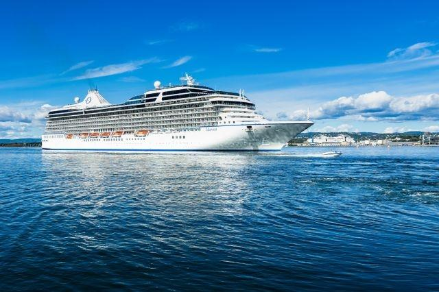 Cruise industry's hopes for August relaunch taking on water