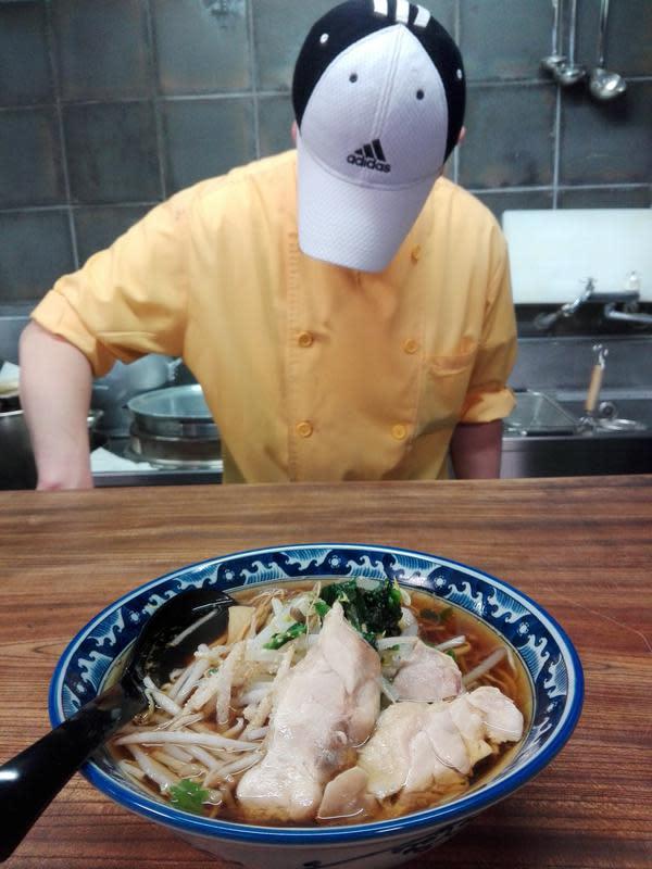 Restoran Yayoi salah satu restoran yang menyediakan menu makanan halal dan juga tempat untuk ibadah. (Andry Haryanto/Liputan6.com)
