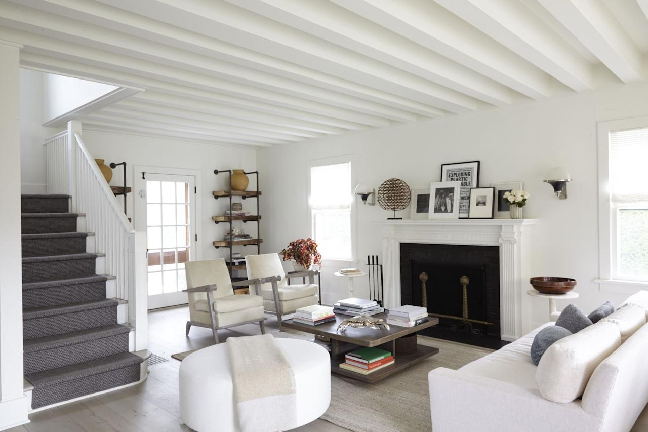 "<p>A love for a farmhouse aesthetic shows no signs of waning. And it's no longer just about shiplap and barnyard doors. The new, updated vibe includes elements that make a space cool and inviting. Don't we all want to cozy up in a <a href=""https://www.elledecor.com/design-decorate/room-ideas/g12223927/minimalist-living-rooms/"" target=""_blank"">light and airy living room</a> with <a href=""https://www.elledecor.com/design-decorate/room-ideas/g32209113/best-sofas-high-point-spring-2020/"" target=""_blank"">casual sofas</a> , eclectic accessories, and yummy textures? Yes? Well, we tapped a few designers to share their tips and tricks to the modern farmhouse living room of our dreams.<br></p>"