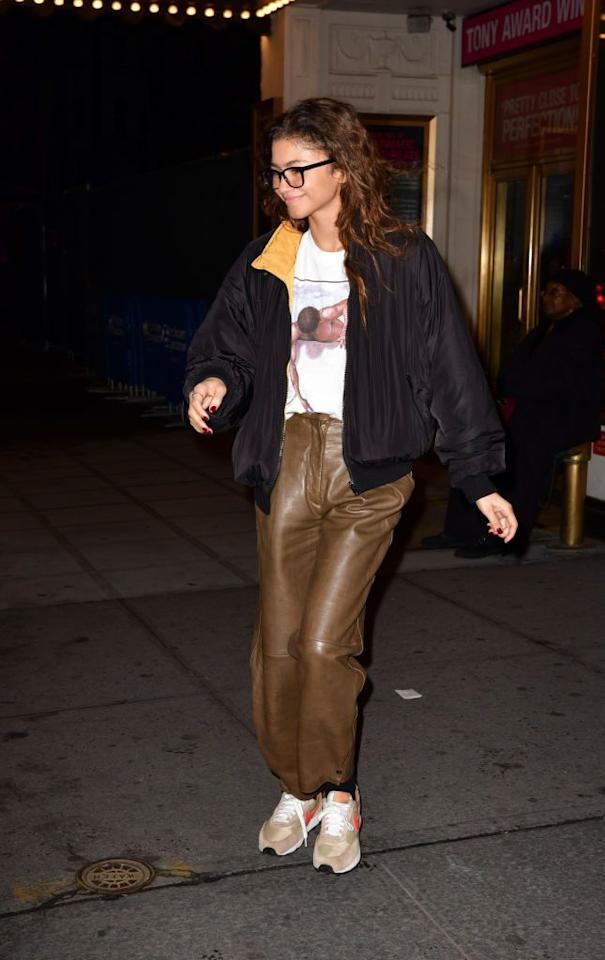 <p>Only Zendaya can take the chicness of leather trousers and give it a dressed-down, streetwear vibe. </p>
