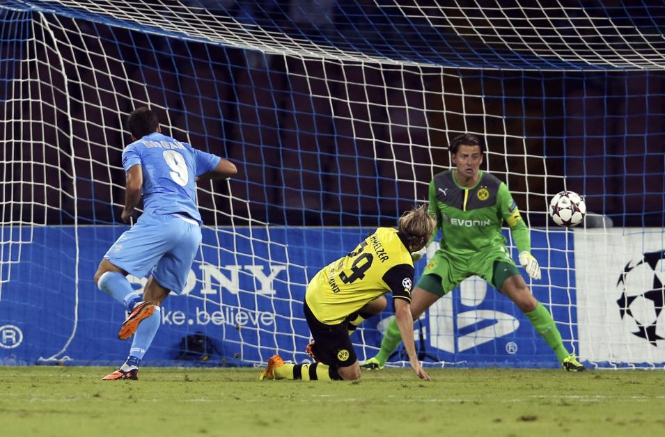 Napoli's Higuain scores against against Borussia Dortmund during their Champions League Group F soccer match in Naples