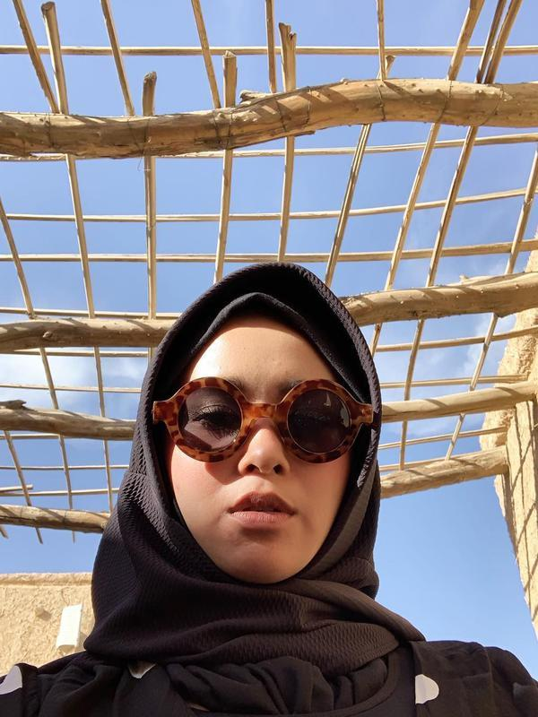 Sering Tampil Tomboi, Pesona 7 Seleb Pakai Hijab Ini Bikin Pangling (Sumber: Instagram/@ayushita)
