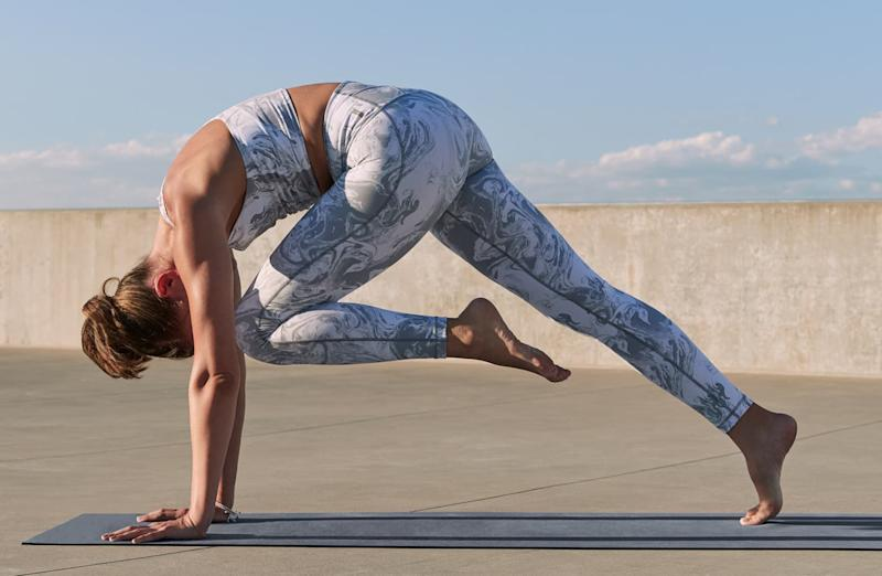 Thousands of reviewers rave about these high-waisted Zella leggings. (Photo: Nordstrom)