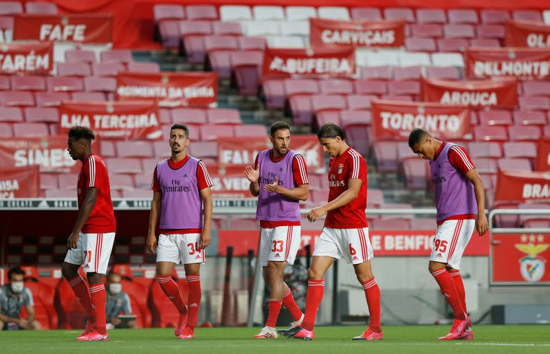 Benfica keep slim title hopes alive with 2-0 win over Guimaraes
