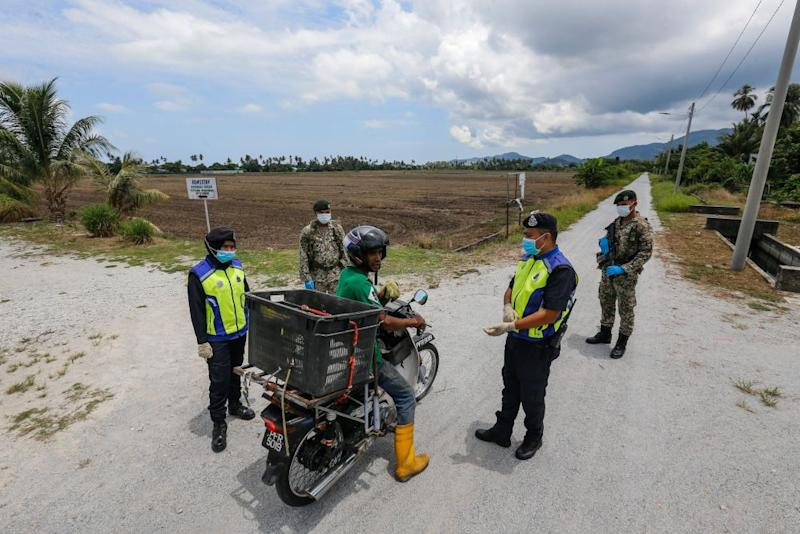 The ongoing 'Ops Benteng' is aimed at stopping the entry of undocumented migrants to safeguard the country from cross-border crimes and to prevent the spread of Covid-19. — Picture by Sayuti Zainudin
