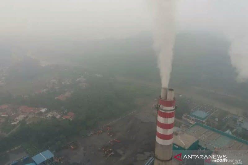 Pembangkit batu bara antara ketersediaan listrik dan lingkungan